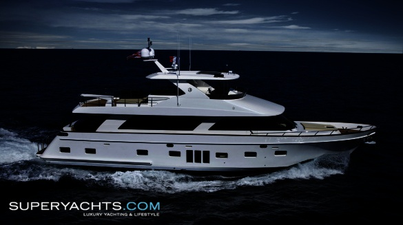 "Euro is a 25.72m (84' 4"" ft) Ocean Alexander 83 motor yacht built in 2009 by ..."