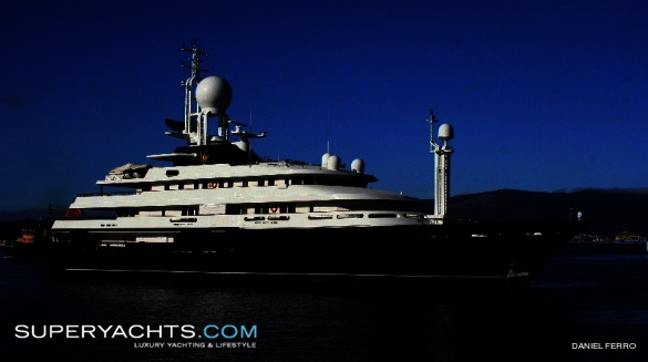 http://image.superyachts.com/motor-yacht-1183/585-327-95-c-acd5/reborn-yacht-1183.jpg