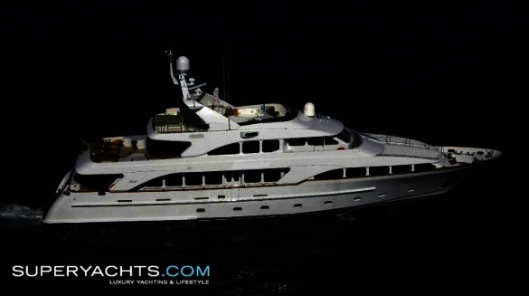 """Aminah (formerly My Marzy) is a 34.95m (114'7""""ft) Benetti Classic 35 motor ..."""